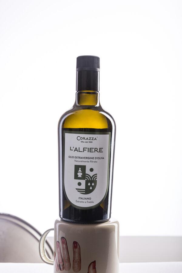 "IMG 0046 2ok 600x900 - Olio extravergine di oliva ""Alfiere"" - Bottiglia 0,50L"